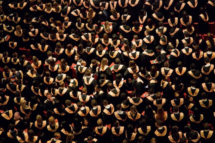 MBA graduates aim for a banking life