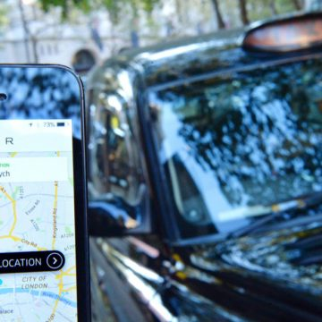 Uber apologises after London ban
