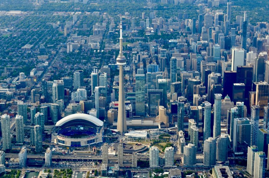 Commercial property set a record in Canada