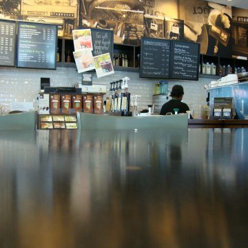 Starbucks to close its stores for 'racial bias training'
