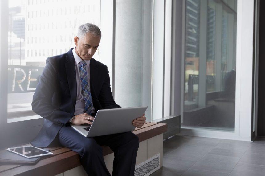 The CEO dilemma: Agility, intuition or data